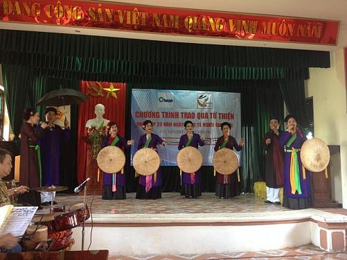 Quỹ nhân ái người cao tuổi trao quà từ thiện tại Hà Nam