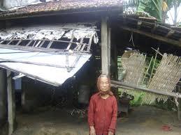 Tặng quà Tết cho người cao tuổi có hoàn cảnh đặc biệt khó khăn trên địa bàn tỉnh Nghệ An